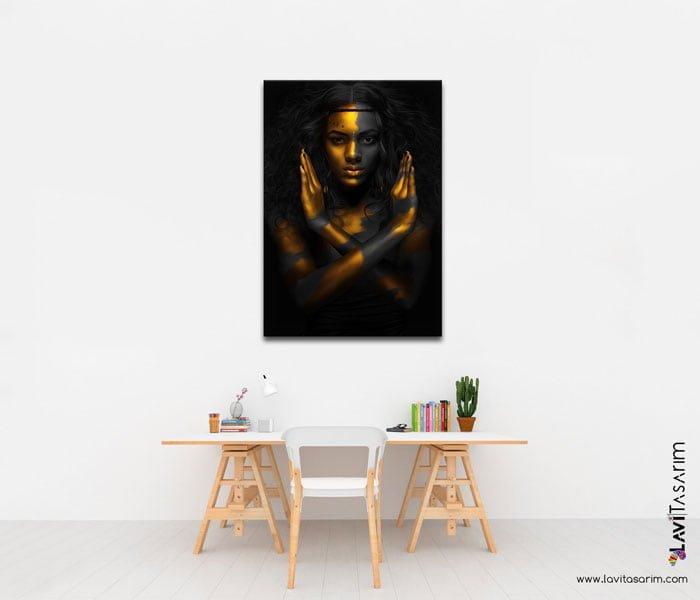 altın ve siyah renkli kadın tablo nereden alınır